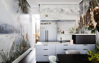 40 Times Wild and Wonderful Wallpaper Made a Room