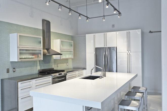 Modern Kitchen by Canton Kitchens