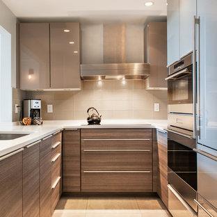 Contemporary kitchen inspiration - Trendy kitchen photo in Boston