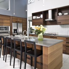 modern kitchen by West Architecture Studio