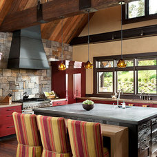 Traditional Kitchen by White Design