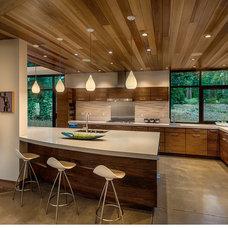 Modern Kitchen by Sage Architecture, Inc.