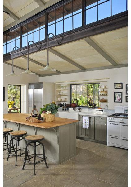 Farmhouse Kitchen by Dorman Associates, Inc.