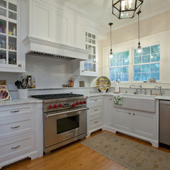 traditional kitchen by Clifford M. Scholz Architects Inc.