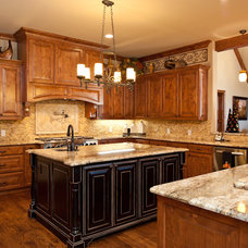 Traditional Kitchen by Drew Walling Custom Homes
