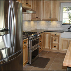 Farmhouse Kitchen by Molly Erin Designs, Certified Interior Designer