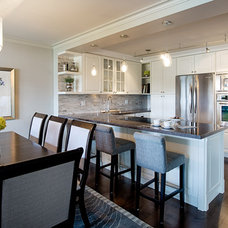Traditional Kitchen by Affecting Spaces
