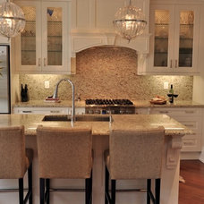 Traditional Kitchen by Urban Ideas Inc.