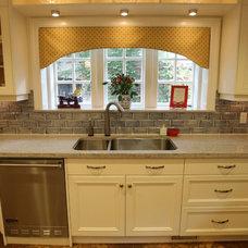 Traditional Kitchen by Sieguzi Kitchen & Home Inc.