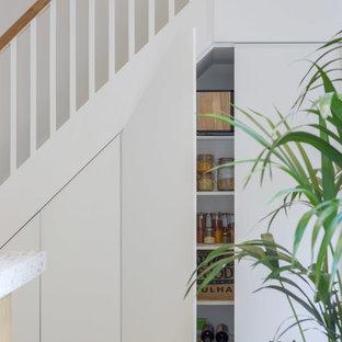 Foto de cocina urbana con encimera de terrazo