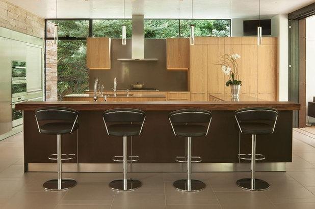 Modern Kitchen by Dynamic Architectural Windows & Doors