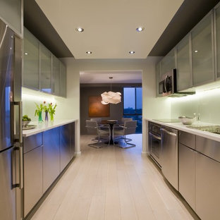 This is an example of a contemporary kitchen in DC Metro with stainless steel appliances.