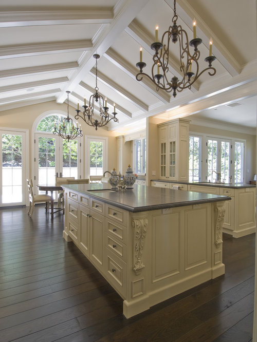 Vaulted ceiling kitchen houzz for Vaulted ceiling kitchen designs