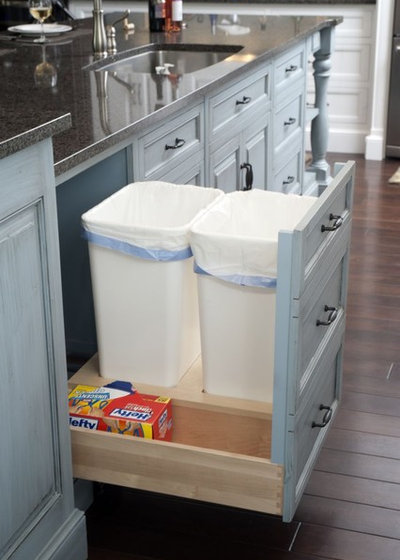 American Traditional Kitchen by Mullet Cabinet