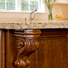 Traditional  by Divine Kitchens LLC