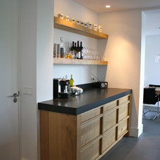 Modern Kitchen by Interior Issues Interieurarchitect Rotterdam