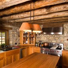 Farmhouse Kitchen by Archer & Buchanan Architecture, Ltd.