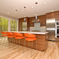 modern kitchen by Vision Homes & Remodeling