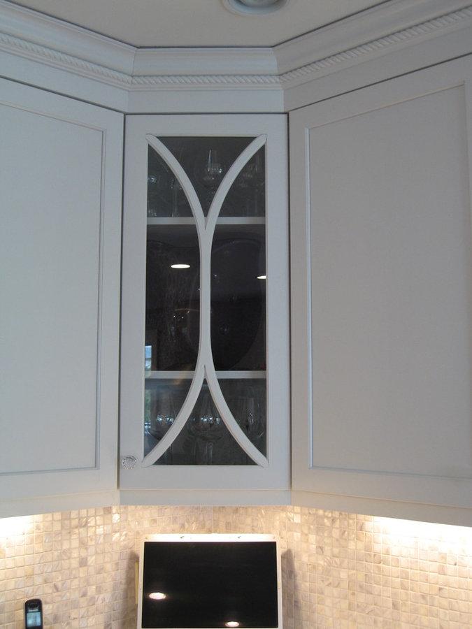 Frameless White Kitchen