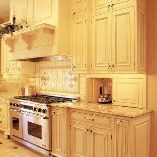 """""""Franglais"""" Kitchen - Family Room"""