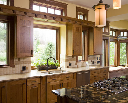 Frank lloyd wright inspired home for Frank lloyd wright kitchen ideas