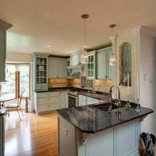 Traditional Kitchen by Callen Construction, Inc