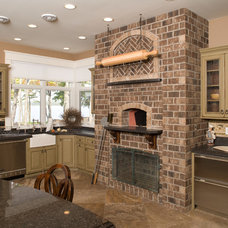 Traditional Kitchen by Wendy Dynes, CKD, NCIDQ 013830