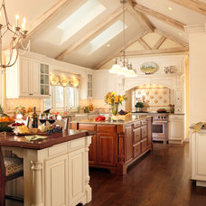 Traditional Kitchen by Luis Acevedo Interiors