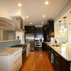 Eclectic Kitchen by Robert Nehrebecky AIA, Re:New Architecture
