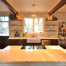 Farmhouse Kitchen by Bonterra Building & Design