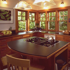 Traditional Kitchen by Goforth Gill Architects