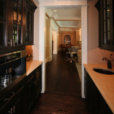 Traditional Kitchen by JORDAN ROSENBERG ARCHITECTS & ASSOCIATES