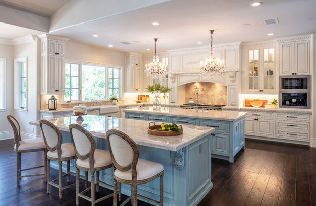 Traditional Kitchen by Fautt Homes