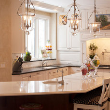 Traditional Kitchen by Bryce and Doyle Craftsmanship