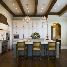 Traditional Kitchen by Kitchen Studio 1562