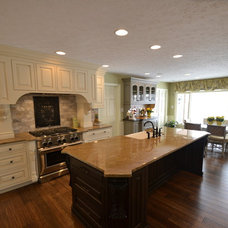 Traditional Kitchen by Finishing Touch Renovations, Inc.