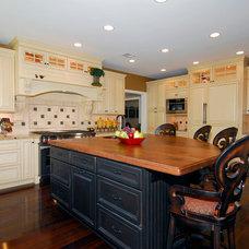 Traditional Kitchen by Terranova Construction, K & B