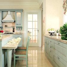 Mediterranean Kitchen by Iwan Sastrawiguna Interior Design