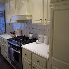 Traditional Kitchen by Jo-Ann Capelaci Interior Desgn