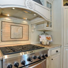 Traditional Kitchen by Vyolette Design Consulting