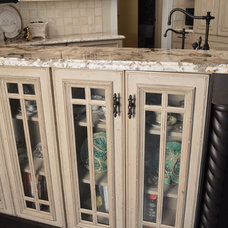 Traditional Kitchen by Studio 76 Kitchens and Baths