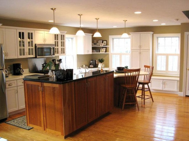 Traditional Kitchen by Sandra Alger, CID, Fresh Ideas by Sandy