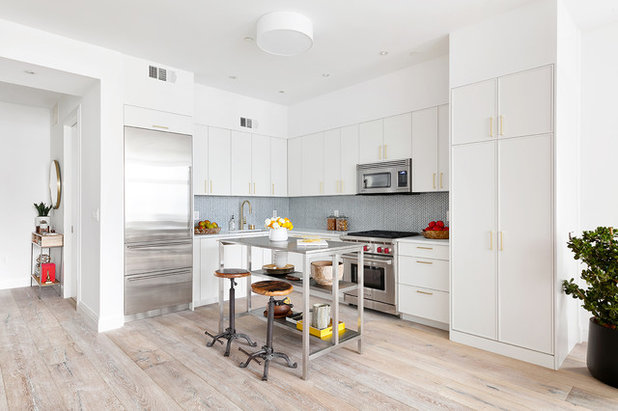 Contemporary Kitchen by Celia Reiss Interiors