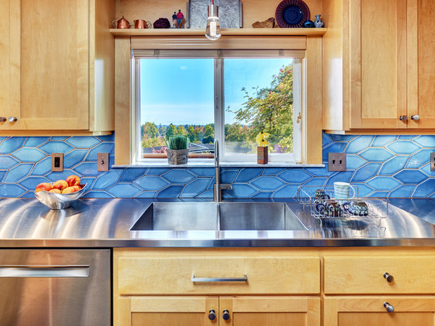 Contemporary Kitchen by Powell Construction