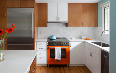 Kitchen of the Week: Colorful Boost for a Midcentury Kitchen