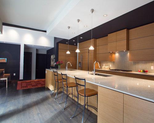 k che mit r ckwand aus keramikfliesen und quarzit arbeitsplatte ideen bilder. Black Bedroom Furniture Sets. Home Design Ideas