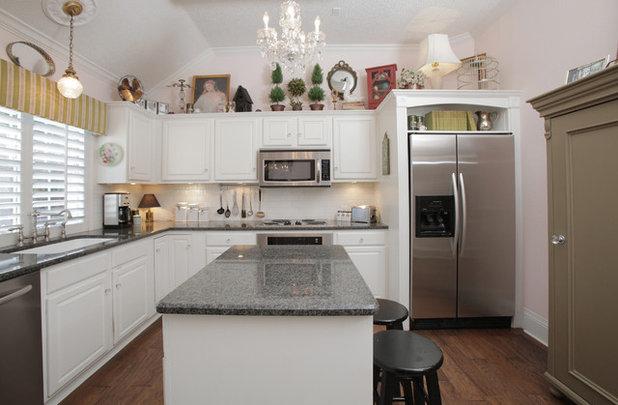 Eclectic Kitchen by Lindsay von Hagel