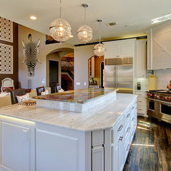 modern kitchen by Hensley Premier Builders