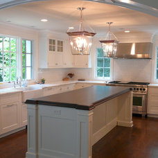 Traditional Kitchen by Rutt Studio of Westport