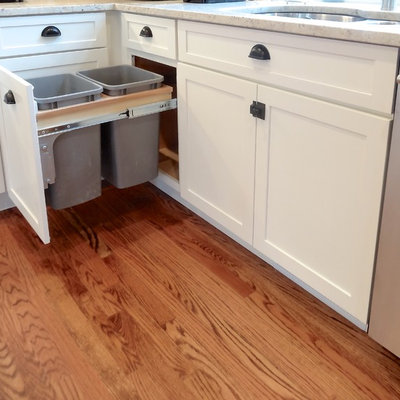 Inspiration for a mid-sized transitional u-shaped open concept kitchen remodel in Boston